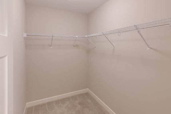 11 Walk-in Closet