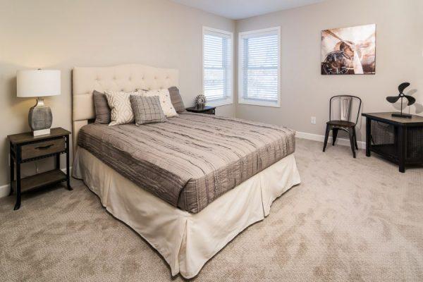 13_Bedroom-915-1000-600-80