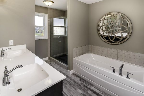 14_Master_Bathroom-768-1000-600-80