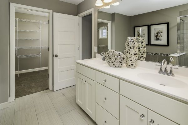 15_Master_Bathroom-505-1000-600-80