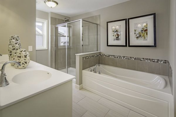 16_Master_Bathroom-499-1000-600-80