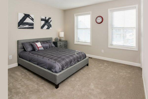17_Bedroom-919-1000-600-80
