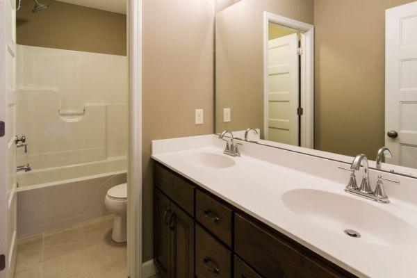 23 Walkout Level Bathroom