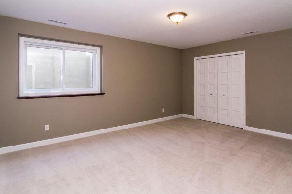 25 Walkout Level Bedroom