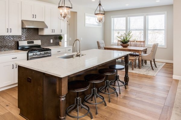 4 Kitchen and Informal Dining