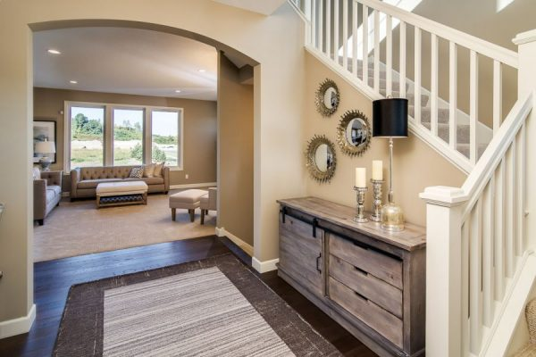 4_Entry_and_Living_Room-692-1000-600-80