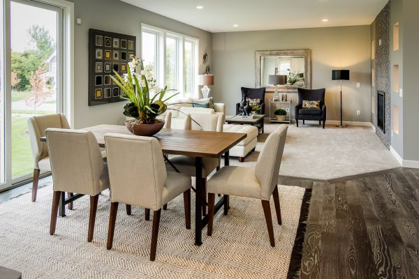 9 Informal Dining and Living Room