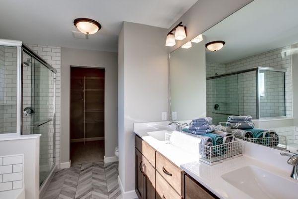027_Master Bdrm Bathroom