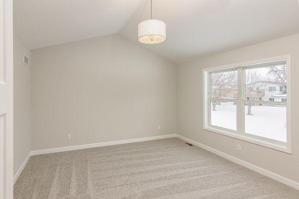 16 Owner's Bedroom