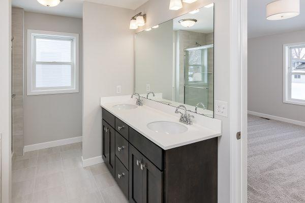 17 Owner's Bathroom