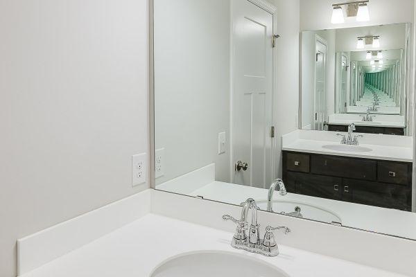 24 Full Bathroom