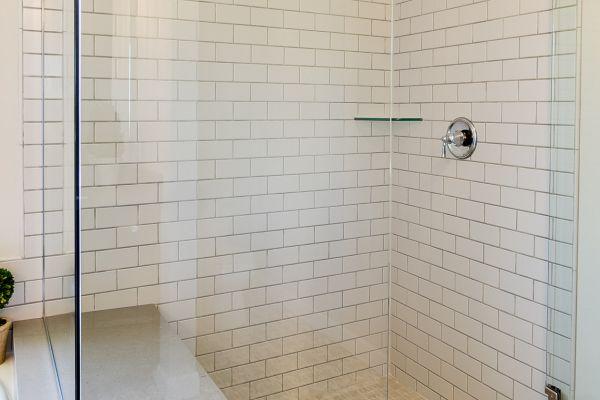 16 Master Bathroom