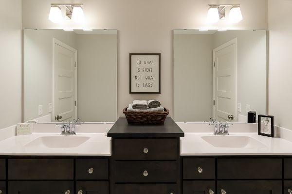 18 Jack and Jill Bathroom