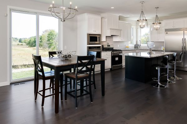 6 Informal Dining and Kitchen