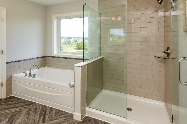 18 Master Bathroom